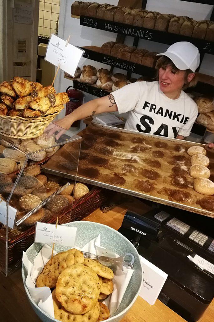 Bäckereiverkäuferin Nina