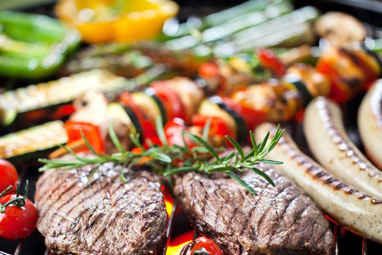 Barbecue im Sommer: Wie und was grillen die Deutschen?