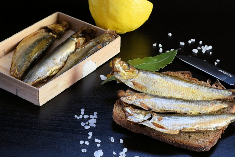 Von kleinen Fischen: Spezialität Kieler Sprotte
