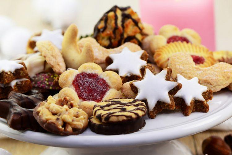 Weihnachtsbäckerei mit und ohne Zucker