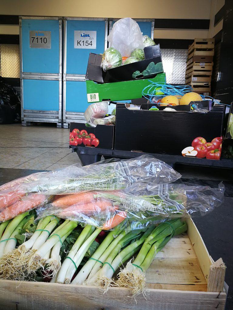 Kisten mit Gemüse