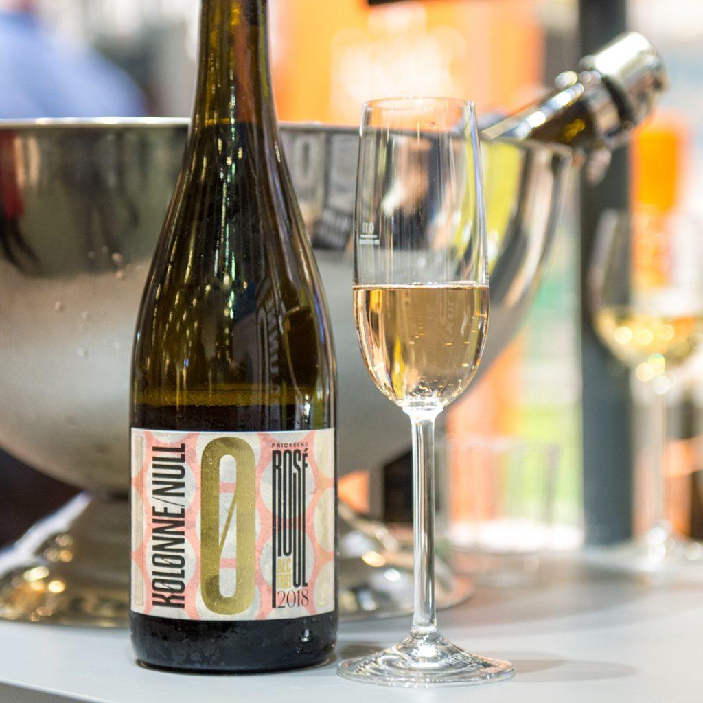 Alkoholfreier Wein von Kolonne Null