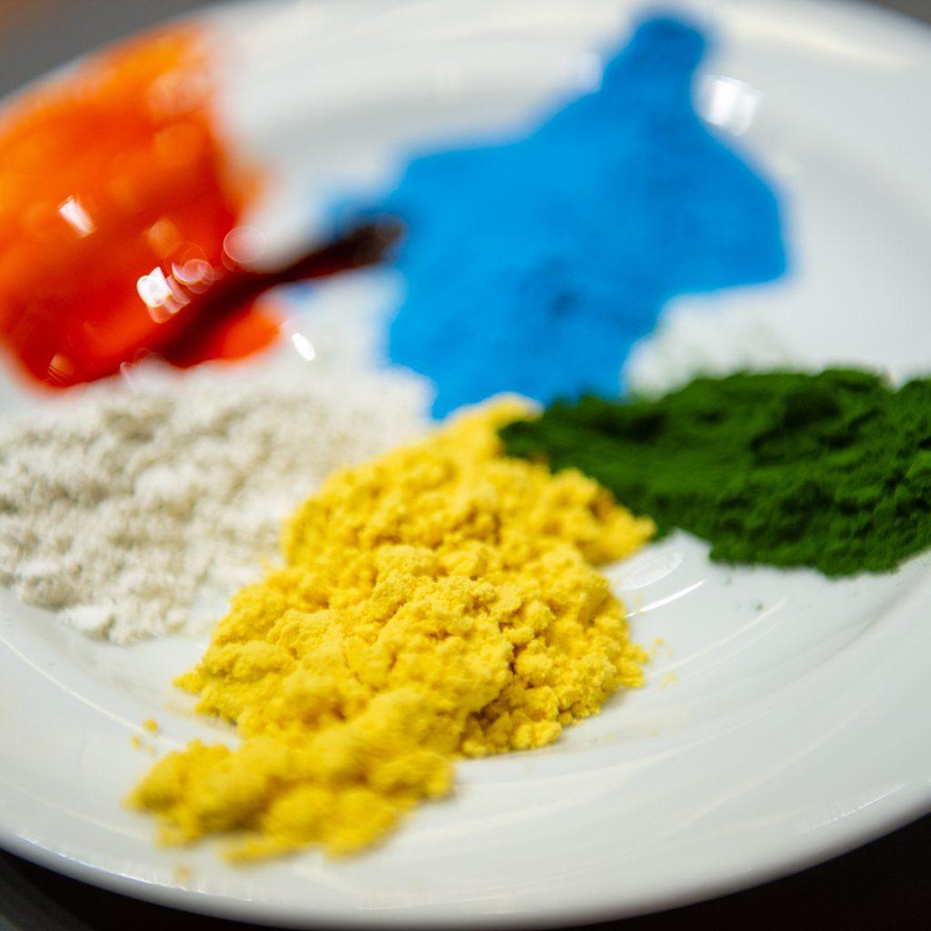 Chlorella und Spirulina: Farbenfrohe Mikroalgen