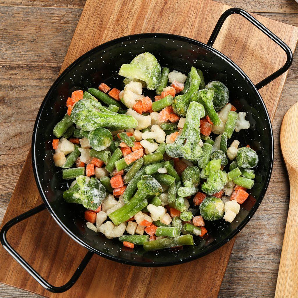 Die ersten Lebensmittel, die es tiefgekühlt zu kaufen gab, waren Gemüse, Obst und Fisch.