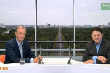 """Dr. Matthias Heider (links im Bild) zu Gast in der Web-Politiktalkshow """"Berliner Rezepte"""" mit Christoph Minhoff."""