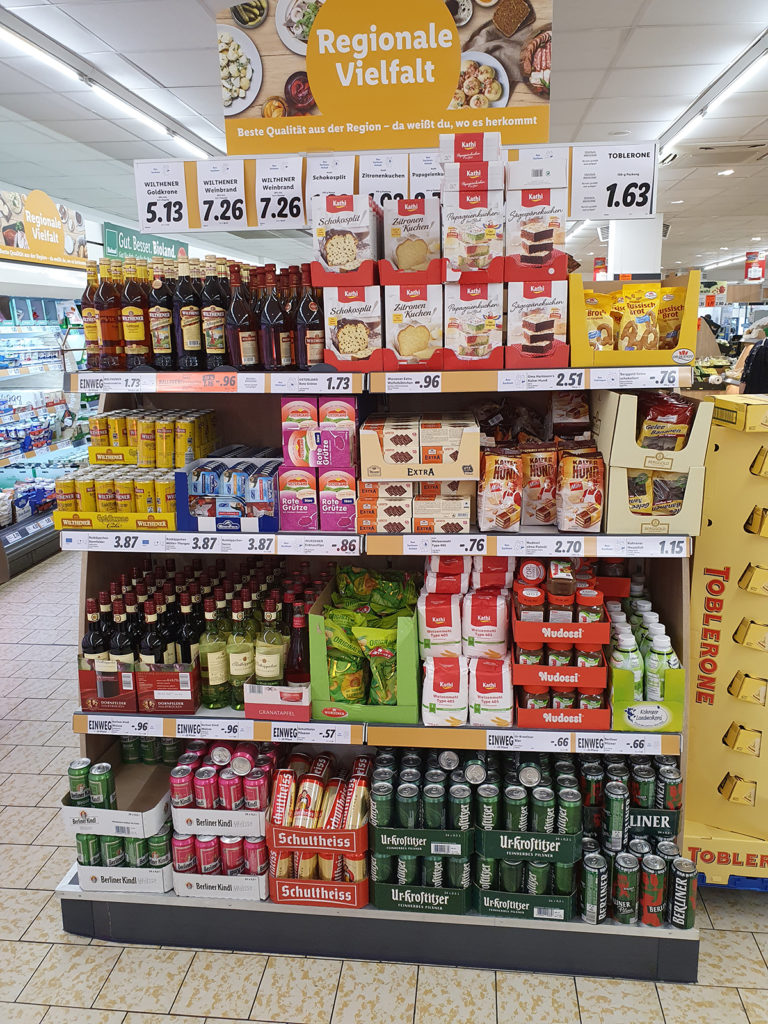 Regional-Regal im Supermarkt