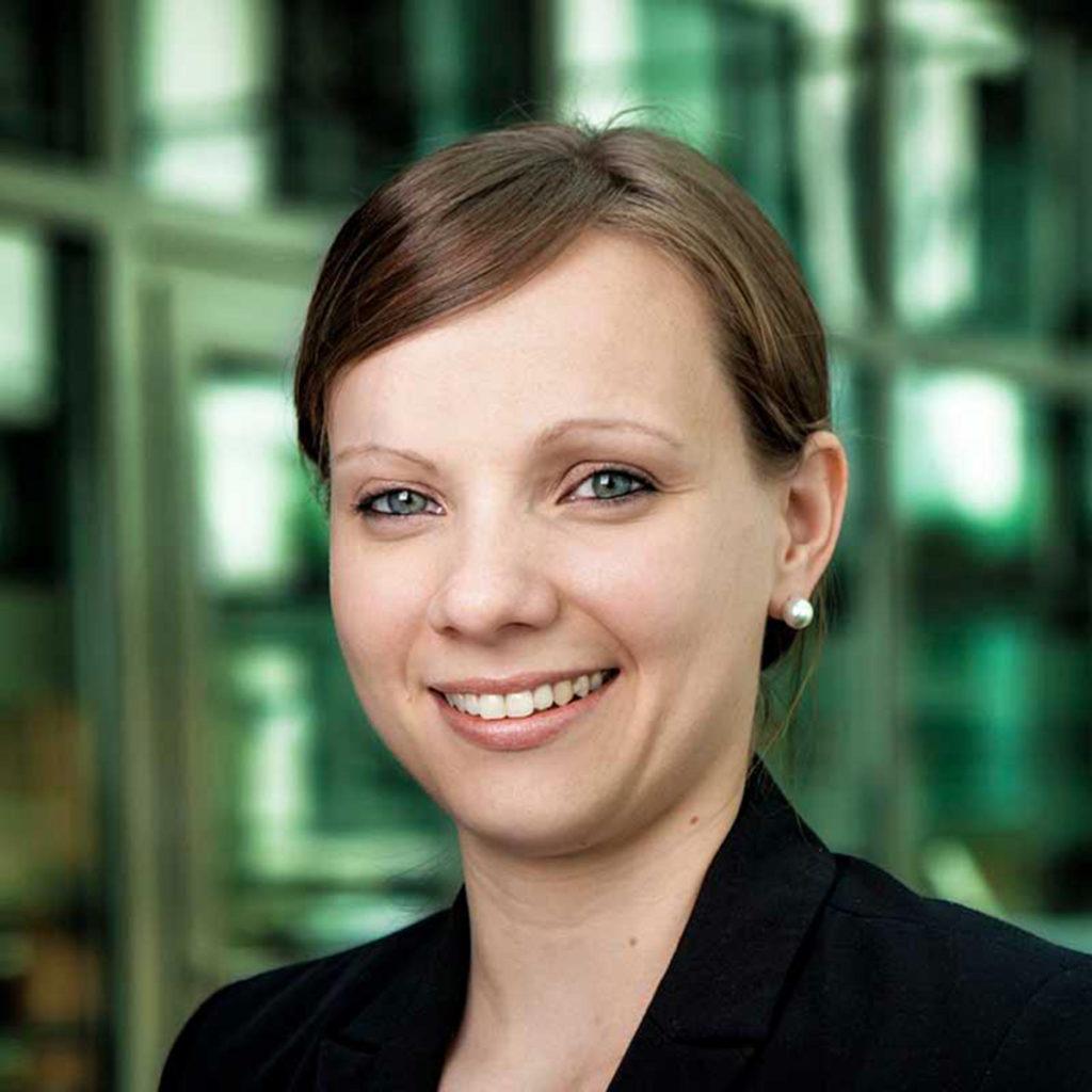 Katja Ahrens ist Referentin der Wissenschaftlichen Leitung beim Lebensmittelverband Deutschland und dort unter anderem zuständig für die Bereiche Tierschutz und Tierwohl