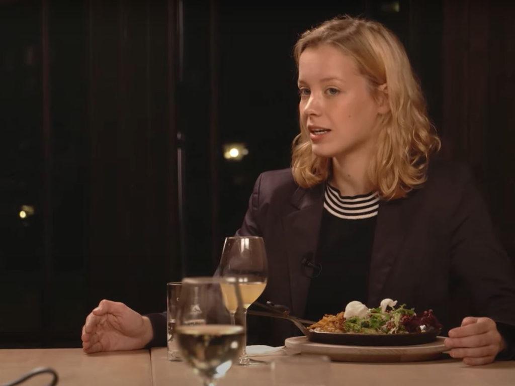 """Carla Reemtsma, Sprecherin von Fridays for Future, in der Webtalkshow """"Küchenkabinett""""."""