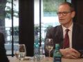 """Berlins Regierender Bürgermeister Michael Müller in der Webtalkshow """"Küchenkabinett""""."""