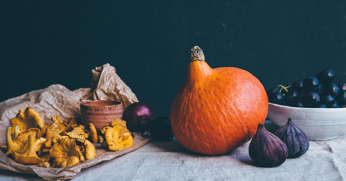 Stillleben mit Herbst-Lebensmitteln