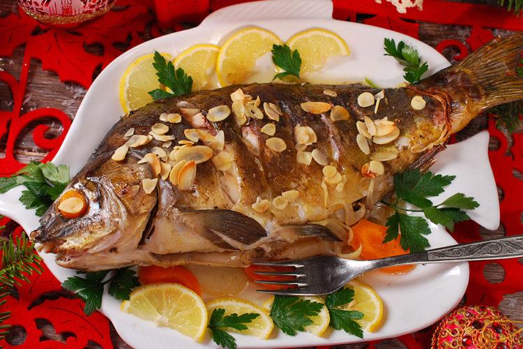 Weihnachtsfisch Karpfen: Der (zu Unrecht) ungeliebte Klassiker