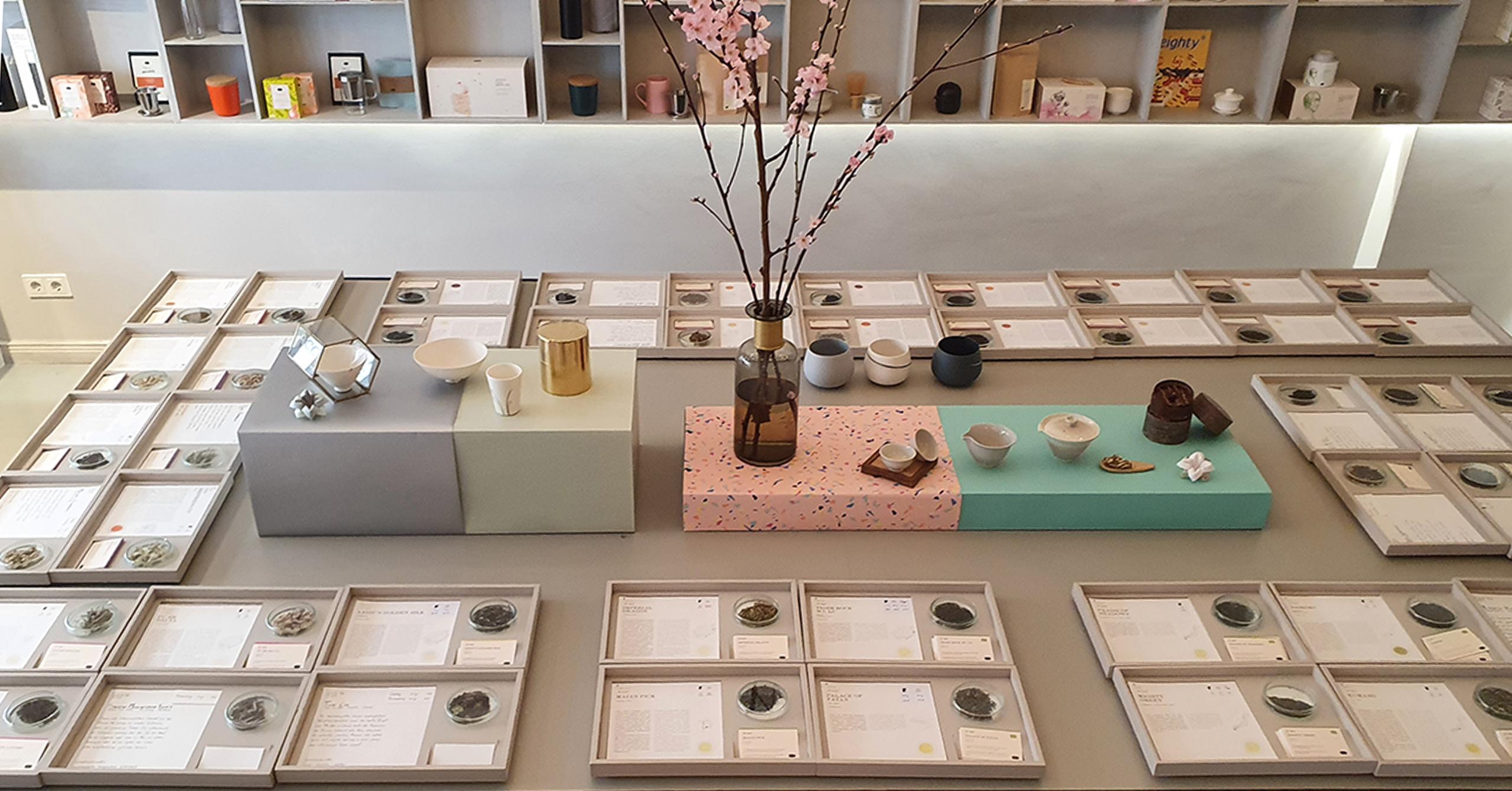 Teevielfalt bei paper & tea in Berlin-Charlottenburg